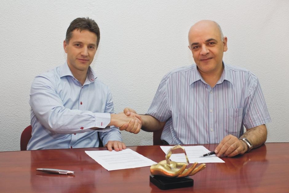 Imagine semnare contract de sponsorizare
